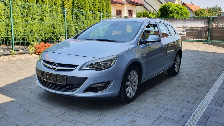 OPEL ASTRA J COSMO